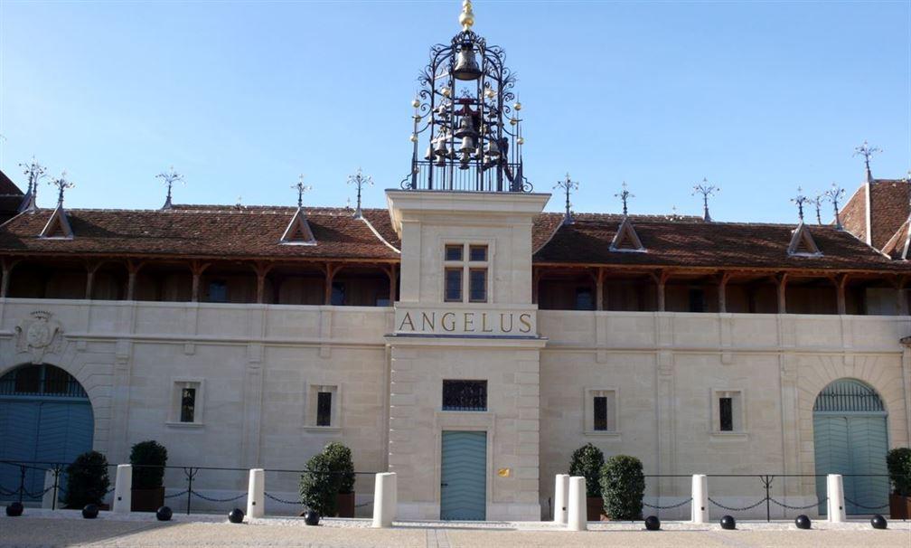 Château Angélus avec son fameux carillon