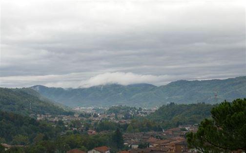 La petite brume sur les collines de Valcalepio
